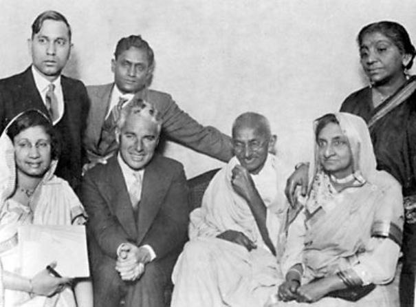 Charlis_Chaplin_and_Gandhi_Photo_Image_(TheZeroLife.Com)
