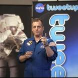 First_Tweet_From_Space_NASA.jpg