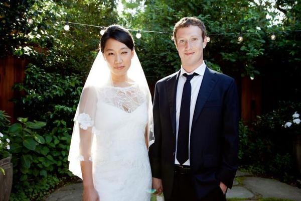 Mark_Zuckerberg_Marriage_Photo_With_Girlfriend