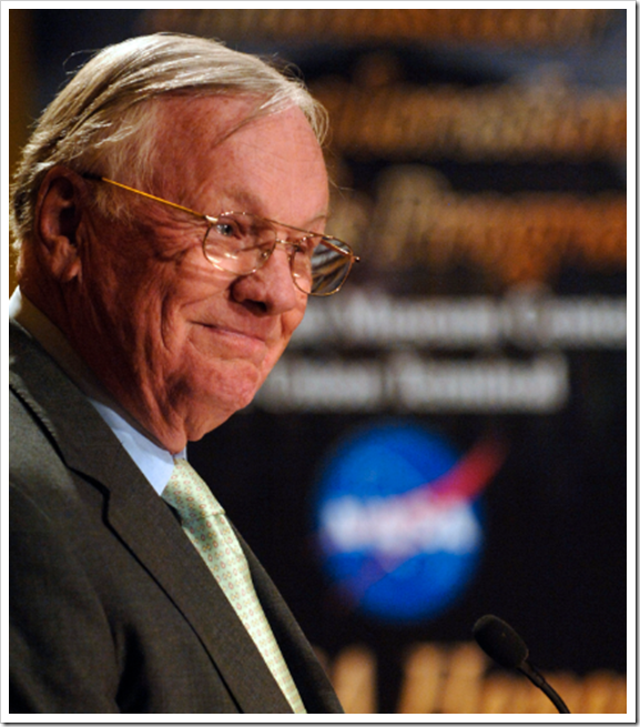 Neil_Armstrong_Old_Age_Photo_Small_Size_(TheZeroLife.Com)
