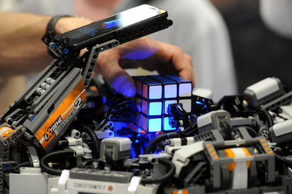 Robot_Rubik_Cube_TheZeroLife.Com
