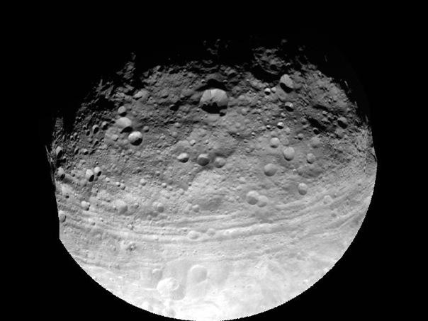 Vesta_Astroide_NASA_Image-(TheZeroLife.Com)